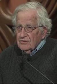 Chomsky: Las armas nucleares, el cambio climático y el deterioro de la democracia amenazan el futuro del planeta